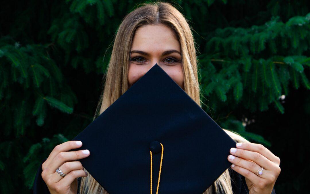Fina raspisala natječaj za stipendije