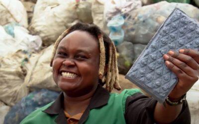 Kenijka pretvara plastični otpad u cigle